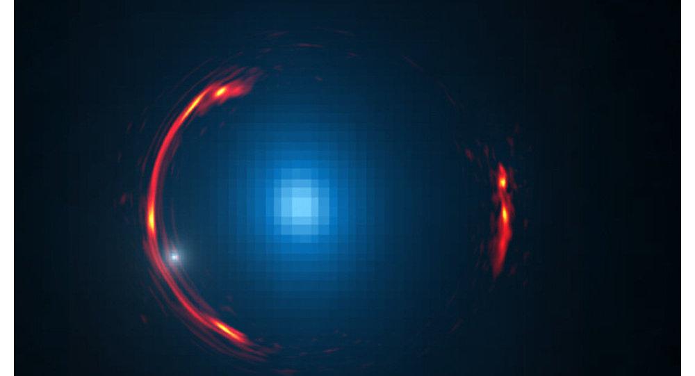 L'anneau d'Einstein autour de la galaxie SDP.81