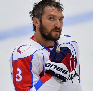 Игрок команды Ковальчук Team Александр Овечкин