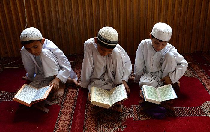 Des écoliers musulmans