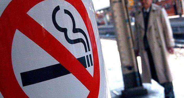 L'armée des fumeurs étouffée par les taxes
