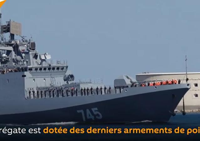 La frégate de la nouvelle classe Admiral Grigorovich arrive à Sébastopol