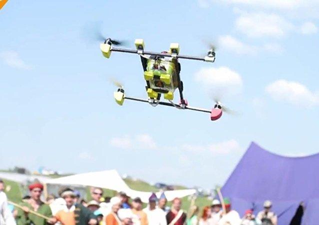Russie: des passionnés de reconstitution abattent des drones avec des lances