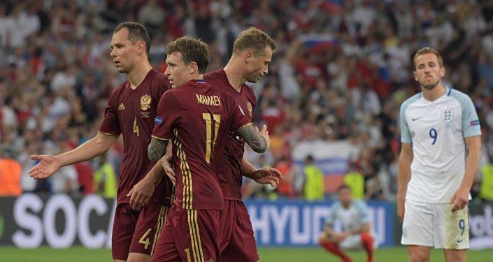 Euro 2016: la Russie sera disqualifiée en cas de nouveaux incidents