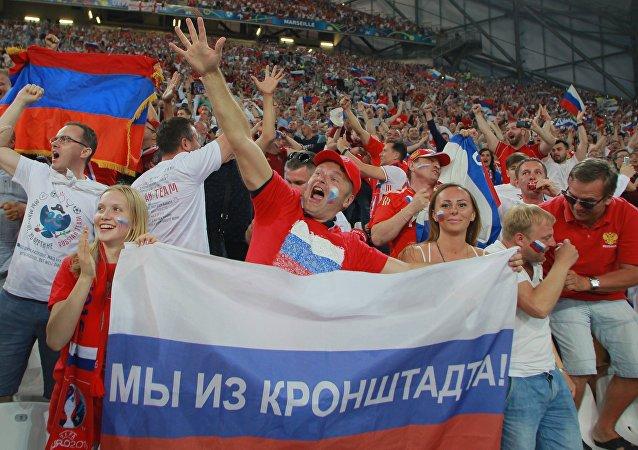 supporteurs au match Angleterre-Russie