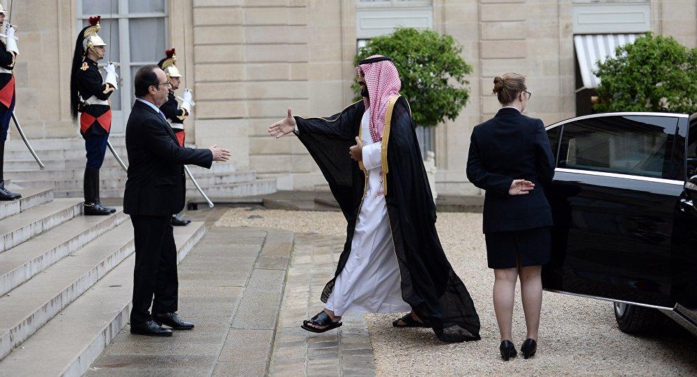 François Hollande reçoit le prince héritier saoudien à l'Elysée