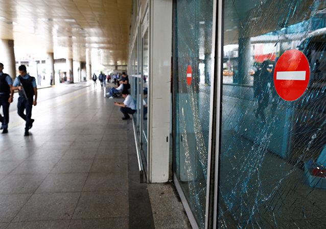 Aéroport Atatürk d'Istanbul après l'attaque