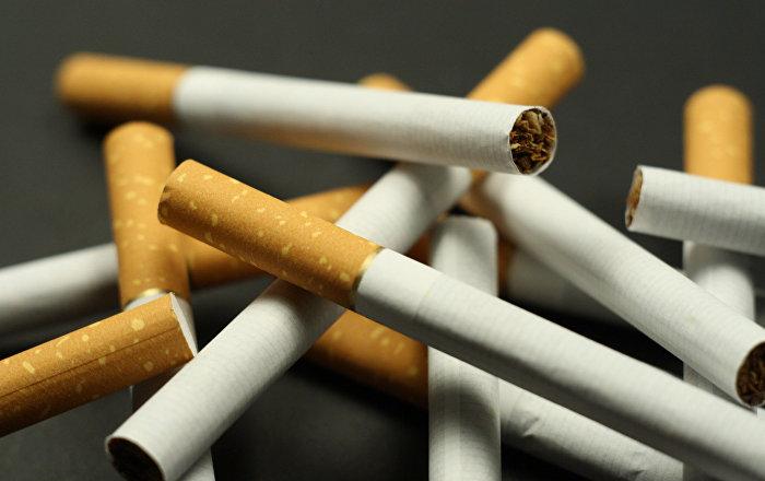 Si lenfant jettera la poitrine si cesser de fumer