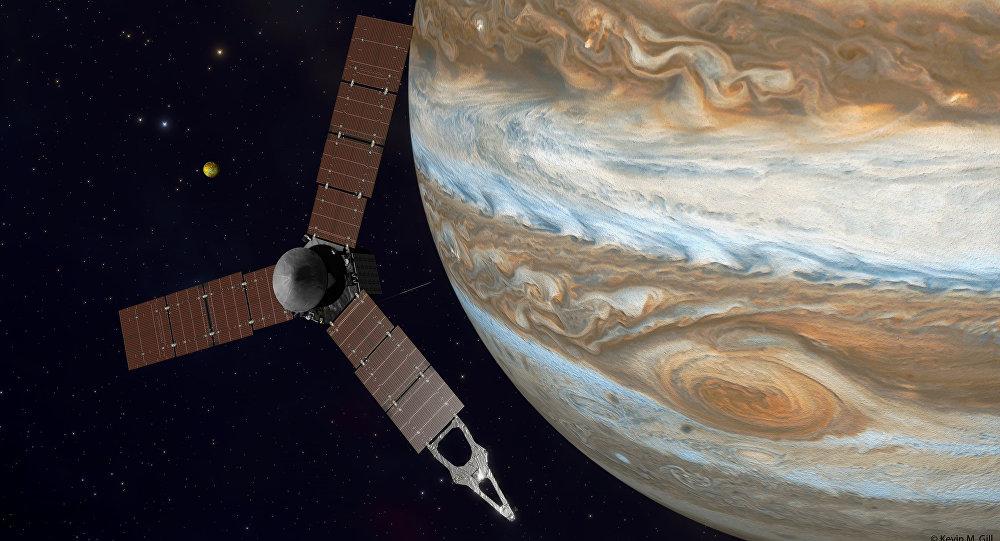 Juno au-dessus de Jupiter