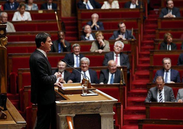 Manuel Valls à la tribune de l'Assemblée nationale