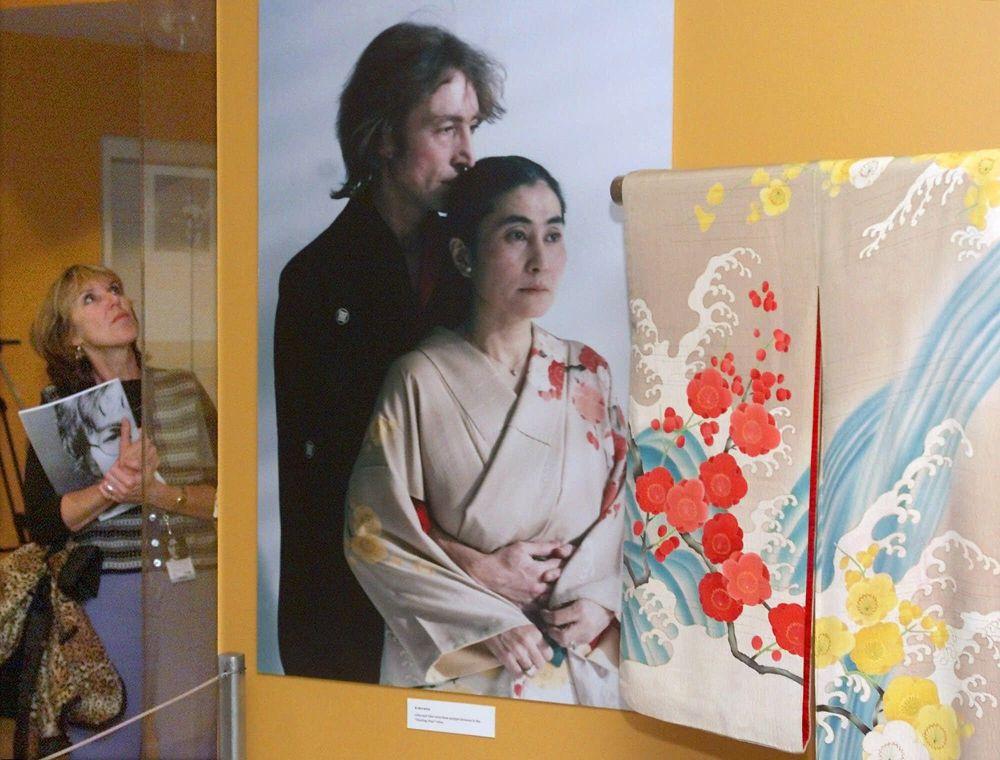Une photo de John Lennon et Yoko Ono dans une exposition aux Etats-Unis.
