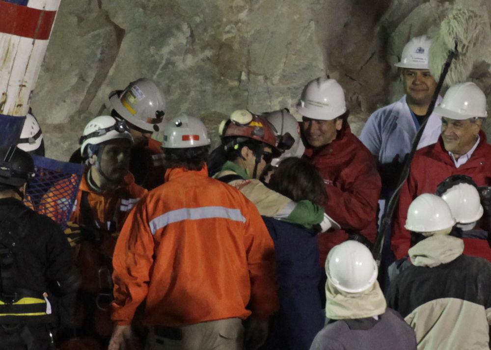 Un mineur sauvé et sa femme au Chili.