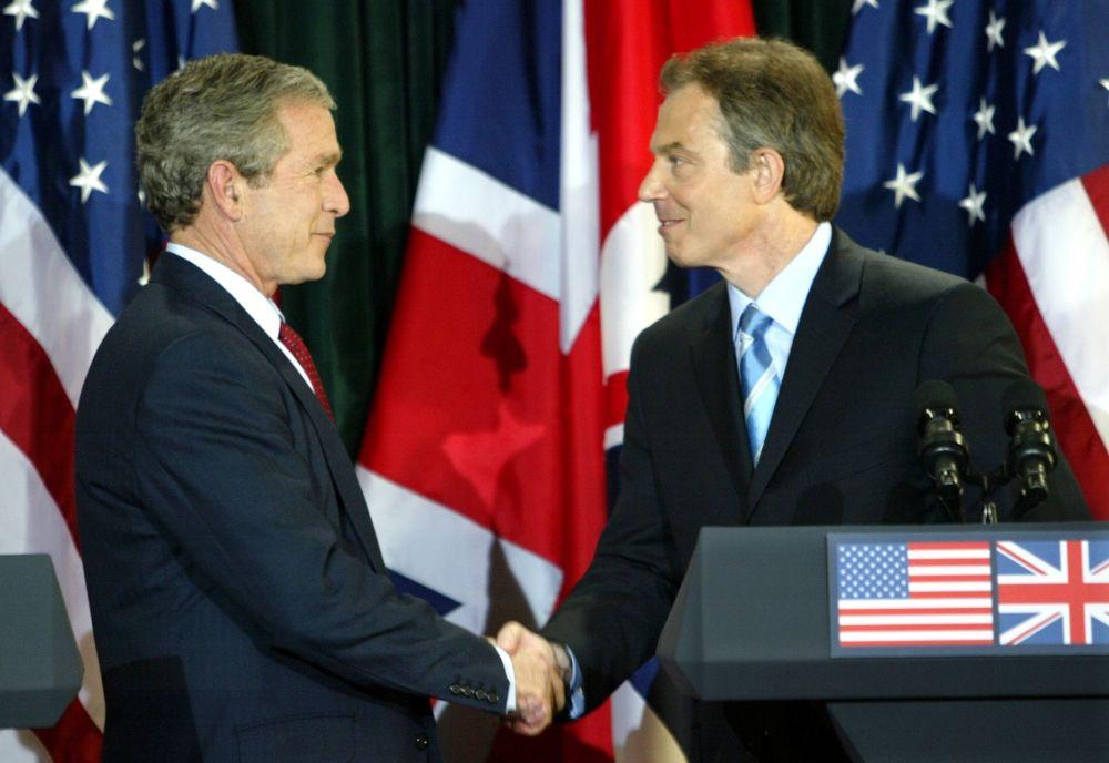 Rencontre du président américain George W. Bush et du premier ministre britannique Tony Blair. Photo d'archive.
