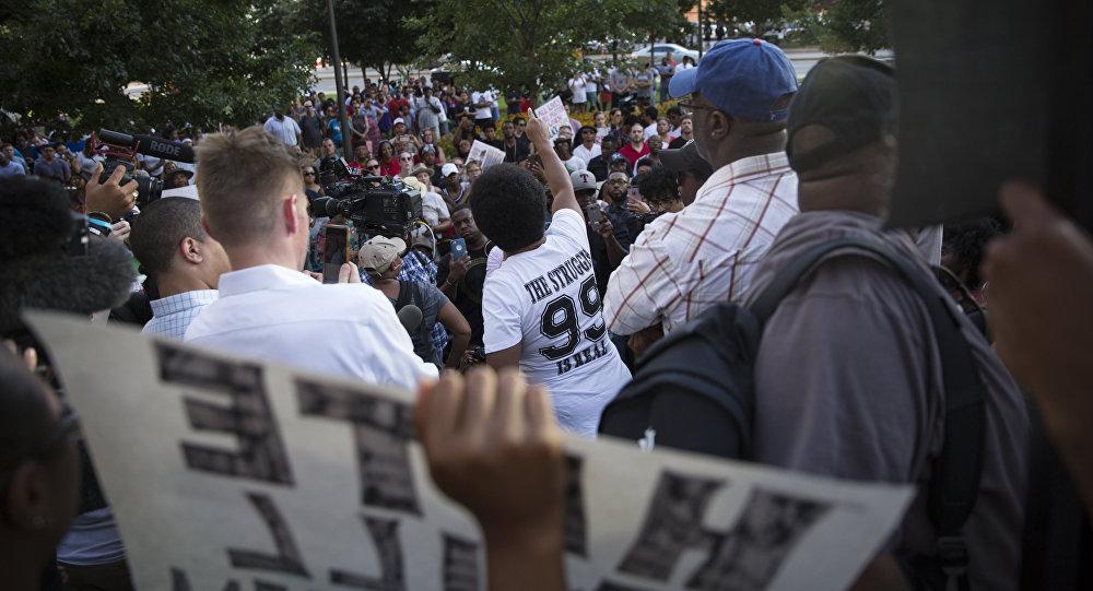 Violences policières: nouvelles manifestations aux Etats-Unis