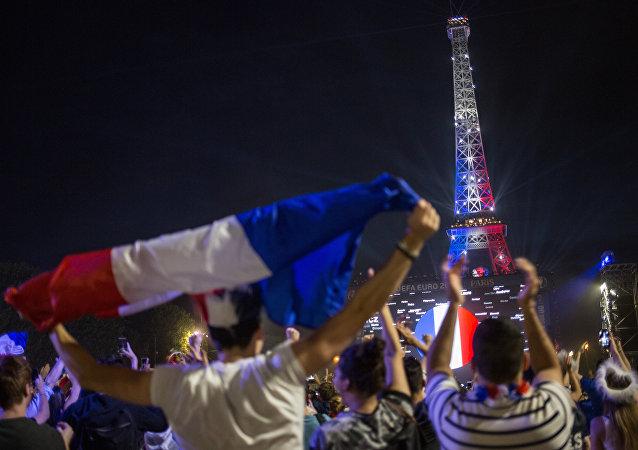 La finale de l'Euro 2016, Paris bouillonne