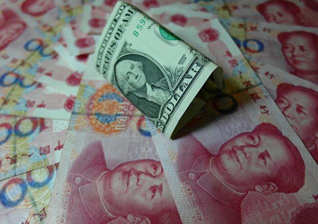 L'yuan et le dollar américain
