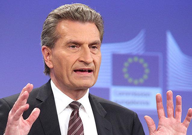 Oettinger s'oppose à des sanctions contre le secteur gazier russe