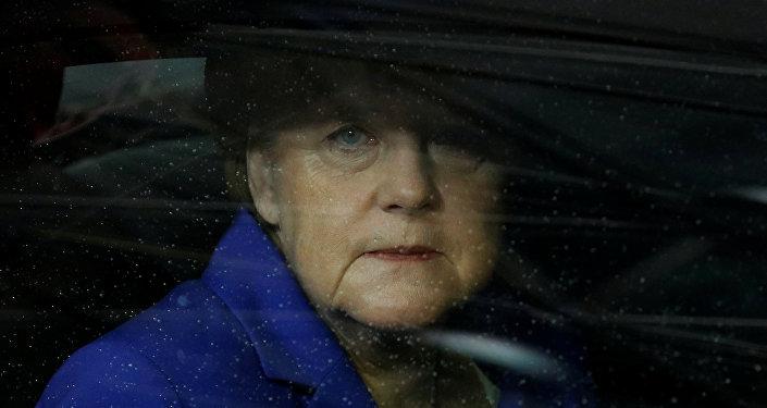La côte de popularité de Merkel en chute libre (Bloomberg)