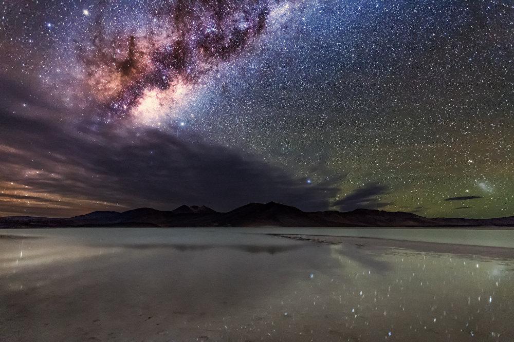 La Voie lactée vue du désert d'Atacama.