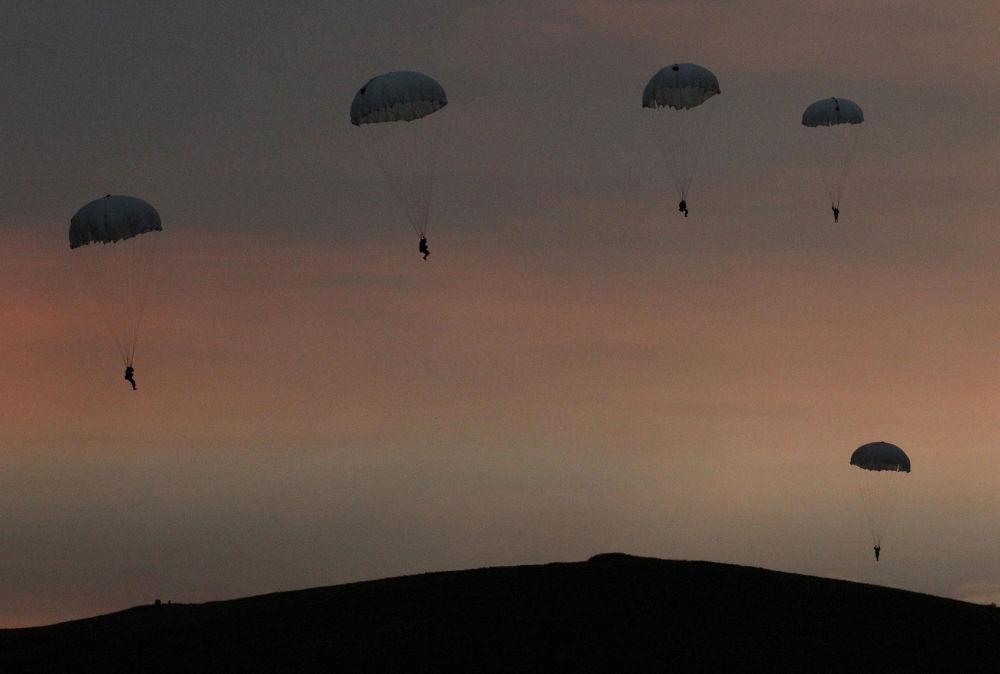 Le parachutisme c'est pour les amateurs de sensations fortes