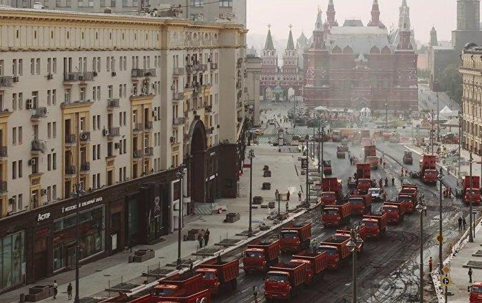 Le spectaculaire réasphaltage de la principale rue de Moscou