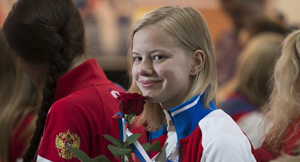 L'équipe olympique russe s'envole pour Rio avec le sourire
