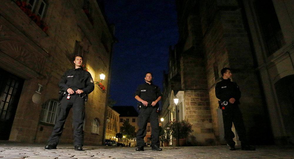 La police allemande à Ansbach suite à une explosion