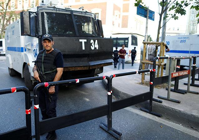 Turquie: 12 personnes interpellées en tentant de vendre un artéfact byzantin