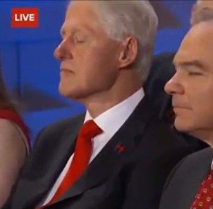 Bill Clinton endormi