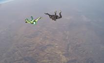 Luke Aikins - Skydiver