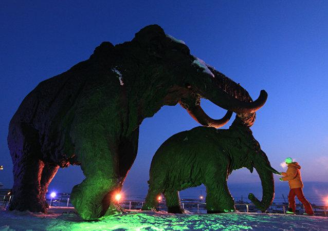 Les mammouths. Sculpture