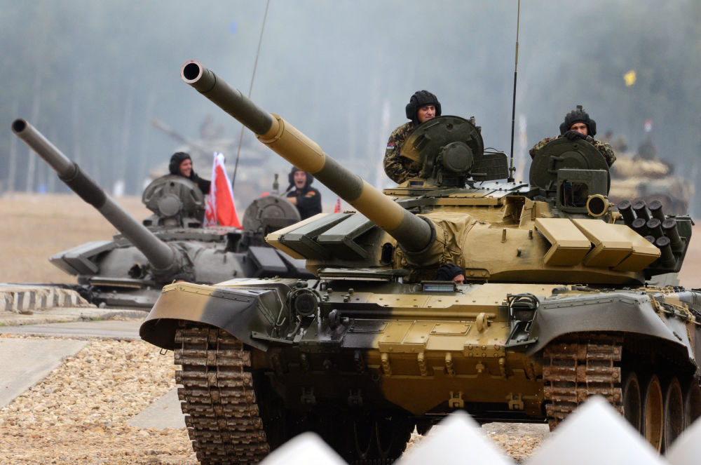 L'équipage du char T-72B3 de l'armée serbe lors du biathlon en char d'assaut à Alabino