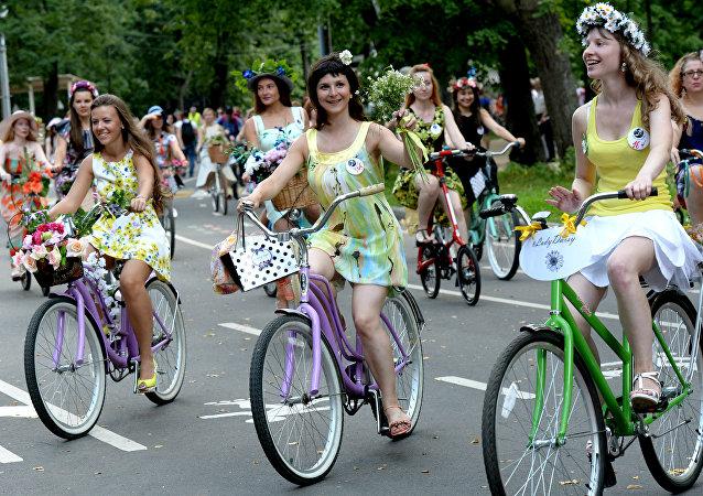 Moscou accueille la parade Lady à vélo