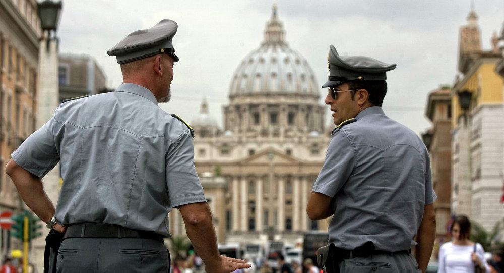 Quand la police italienne soigne la plus grave des blessures