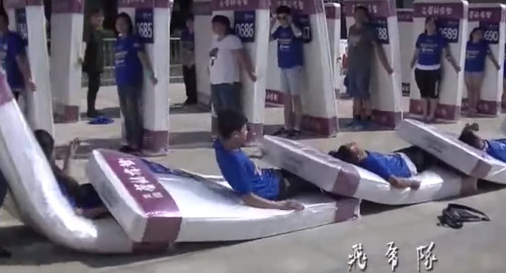 dominos humains