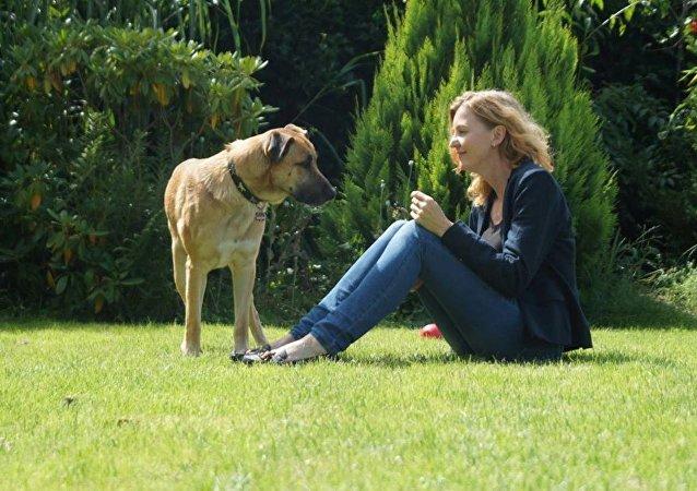 Olivia Sievers et son chien Rubio
