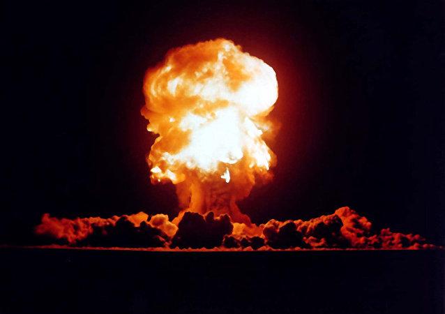 Un test nucléaire américain dans le Nevada en 1957