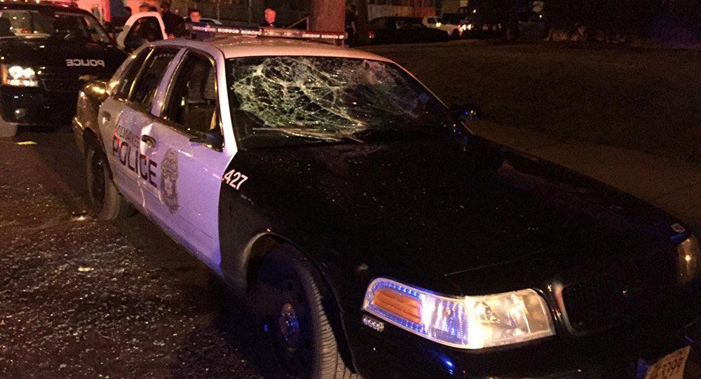 USA: une foule enragée affronte la police à Milwaukee après le décès d'un suspect