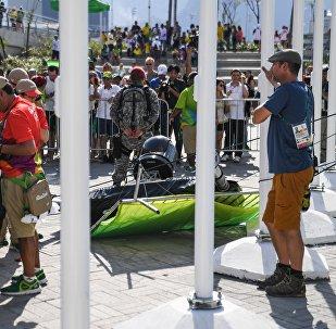 La chute d'une grosse caméra officielle fait trois blessés dans le Parc olympique