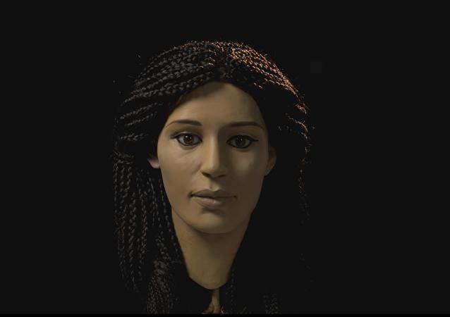 Cette jeune fille qui vivait il y a 2.500 ans vous regarde