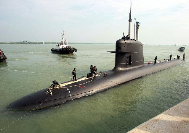 un sous-marin de type Scorpène
