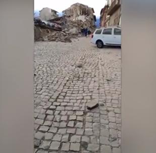 Un séisme de magnitude 6.2 secoue le centre de l'Italie