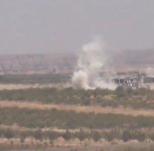 L'armée syrienne attaque les terroristes au nord de Hama