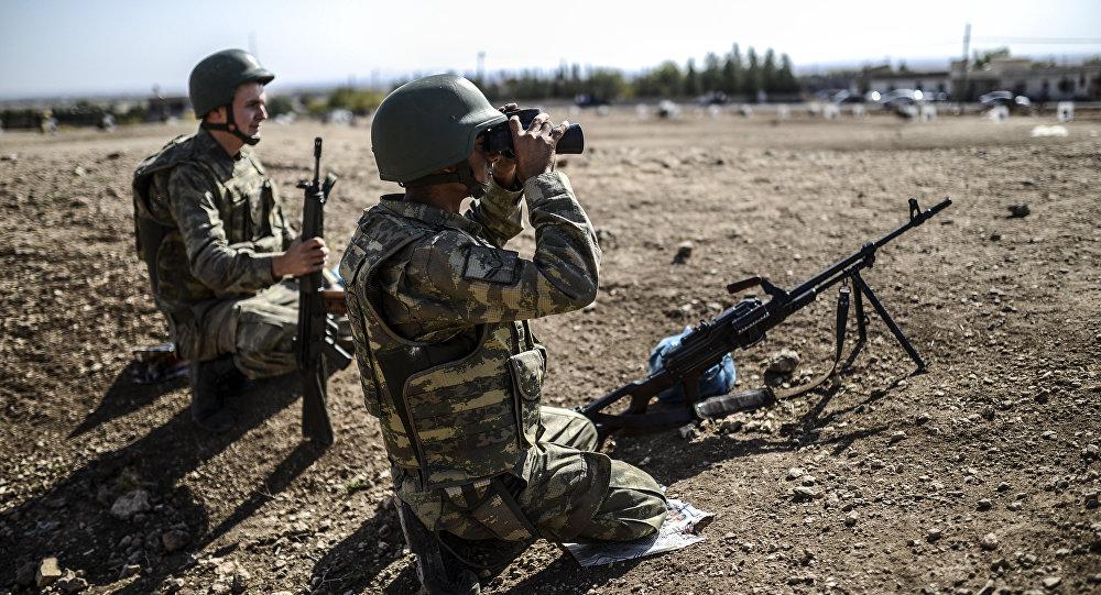 A Tel Abyad, des drapeaux US hissés pour empêcher une invasion turque