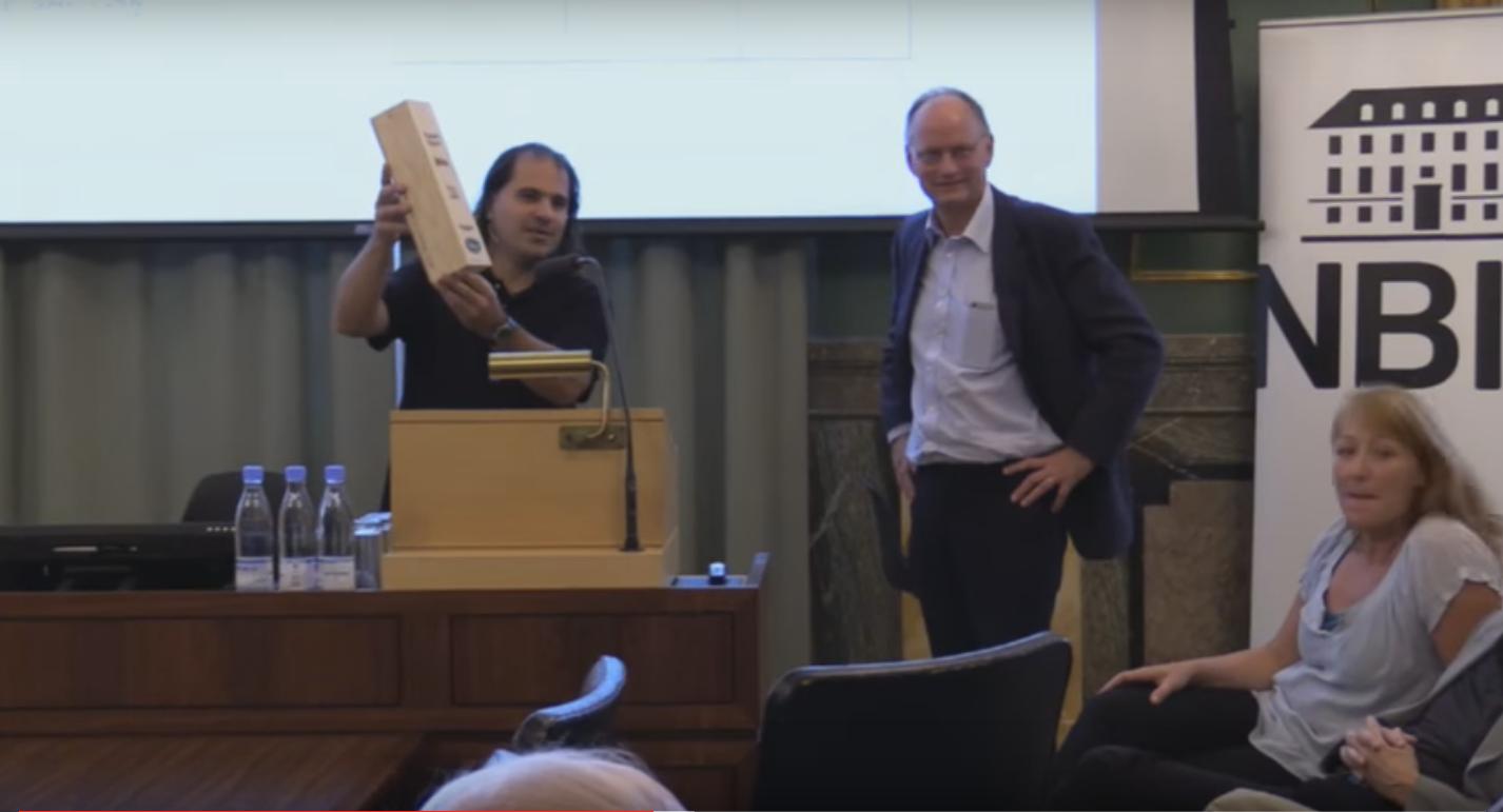 Des physiciens se sont réunis à Copenhague afin de nommer les gagnants d'un pari scientifique sur la théorie de la supersymétrie