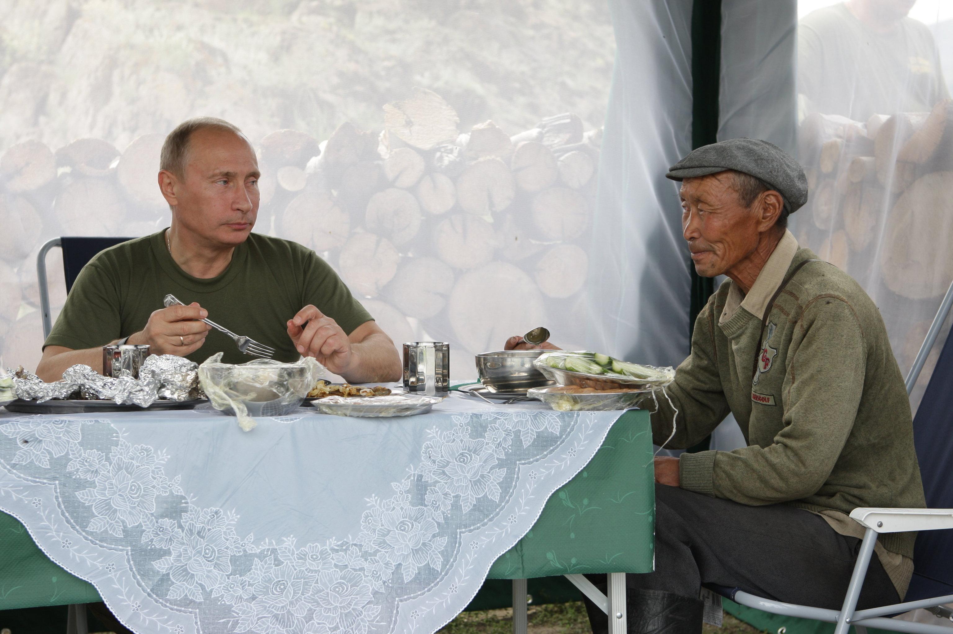 Vladimir Poutine en vacances dans la république de Tyva