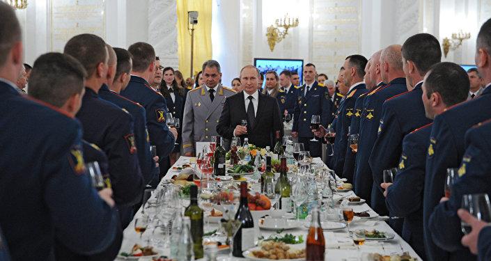 Arts de la table et gastronomie au Kremlin: que mangent les invités de marque?