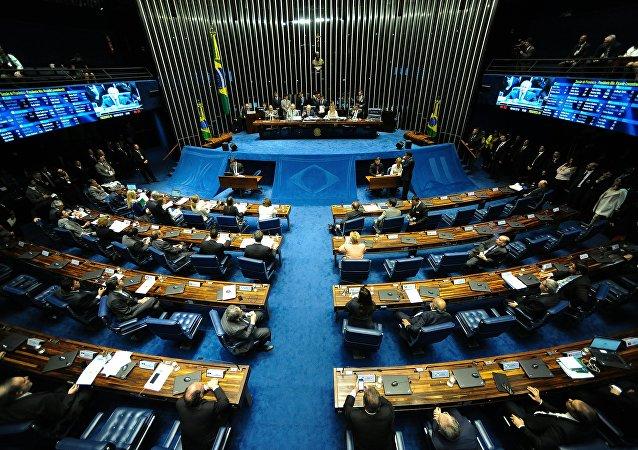 Une séance plénière du Sénat brésilien à Brasilia