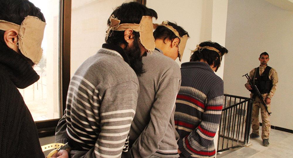 La vie sous Daech: 15 coups de fouet pour une barbe trop courte