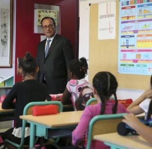 François Hollande est à Orléans pour la rentrée scolaire,  le 1, Sept.,, 2016.