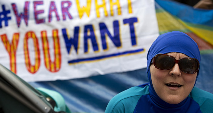 Protestations contre l'interdiction du burkini